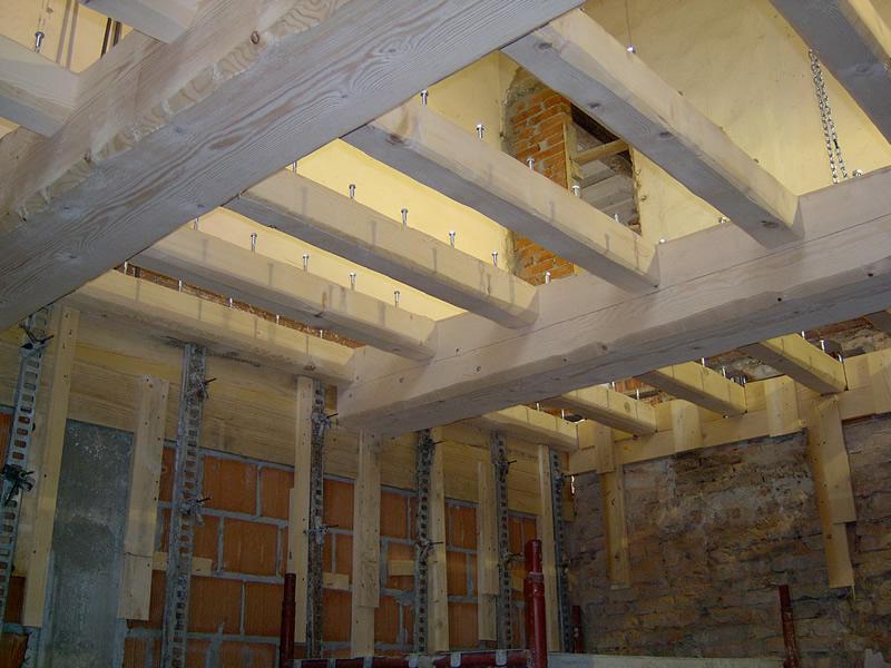 Solaio in legno lamellare tutto su ispirazione design casa for Piccola casa costruita su fondamenta